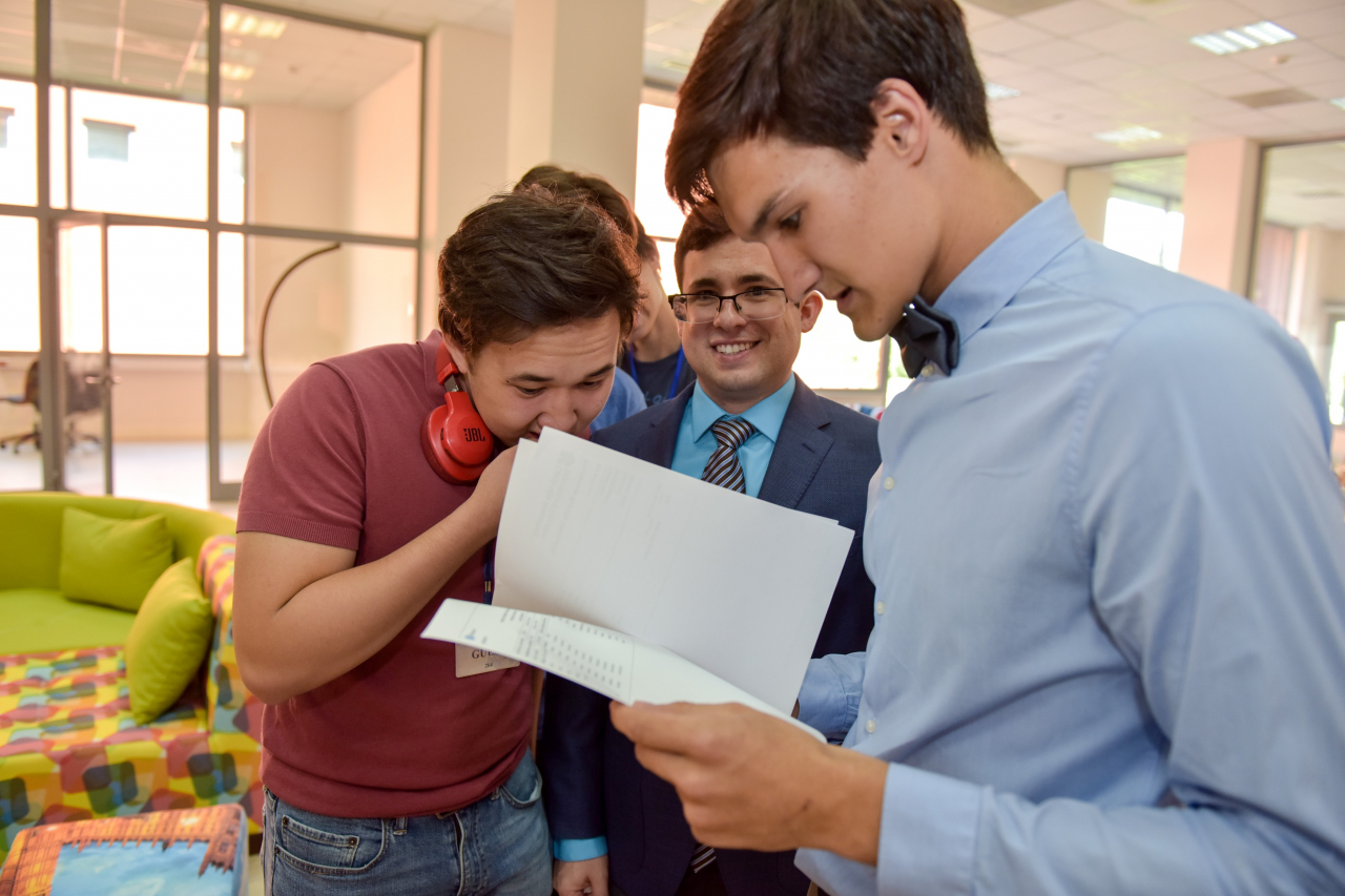 Class of 2018 celebrate a great set of A Level results